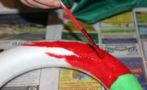 Painting the wreath.