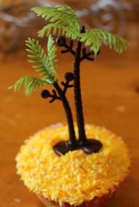 Beach cupcake.